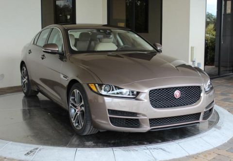 Certified Pre-Owned 2017 Jaguar XE 35t Premium RWD RWD 4dr Car