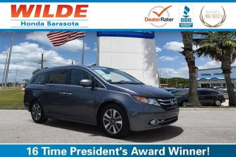 Certified Pre-Owned 2017 Honda Odyssey Touring FWD Mini-van, Passenger