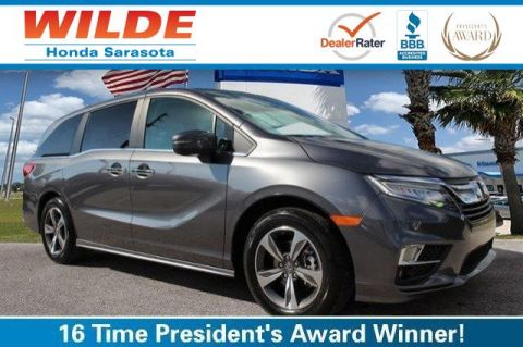Certified Pre-Owned 2018 Honda Odyssey Touring FWD Mini-van, Passenger