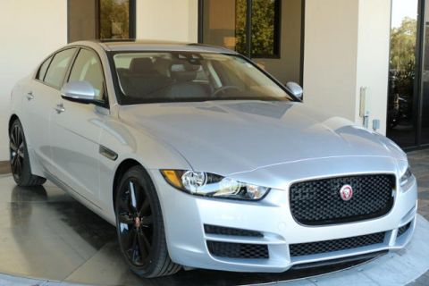 Pre-Owned 2017 Jaguar XE 35t Prestige RWD 4dr Car
