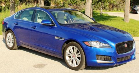 Pre-Owned 2017 Jaguar XF 35t Premium RWD 4dr Car